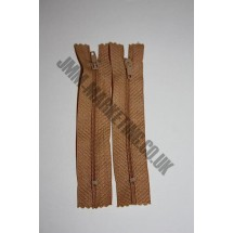 """Nylon Zips 7"""" (18cm)- Light Brown"""